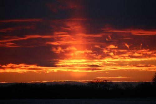 sunpillar weather phenomenon sunset