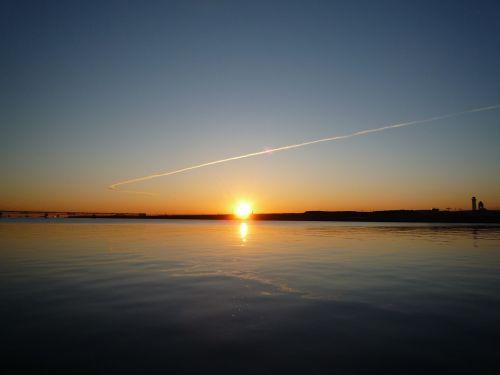 sunrise haneda offshore contrail