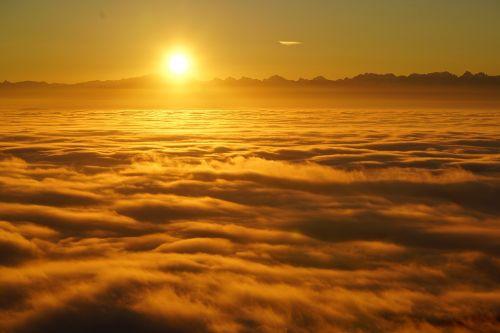 sunrise selva marine clouds
