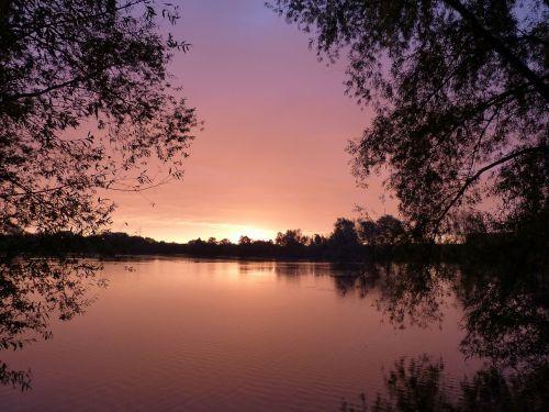 sunrise at the lake morgenrot
