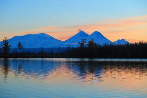 sunrise early morning lake