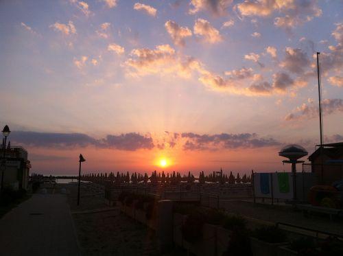 sunrise sea clouds