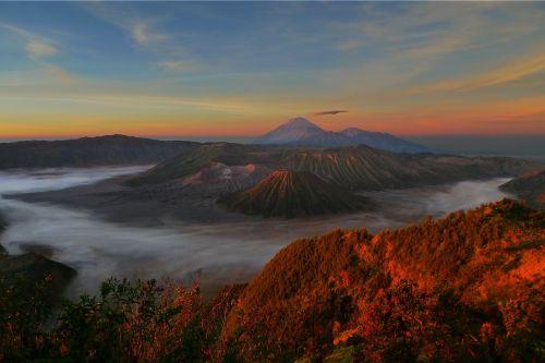sunrise volcano bromo