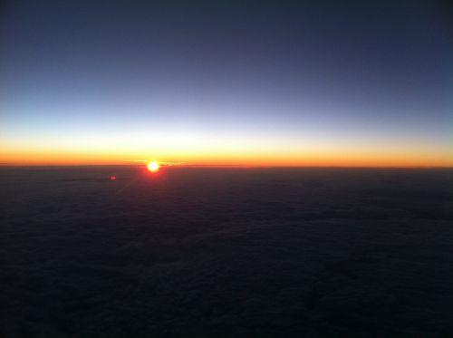 sunrise lufthansa aircraft