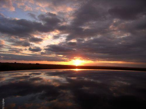 sunrise sky mirroring