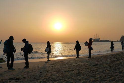 sunrise jung dong-jin sea