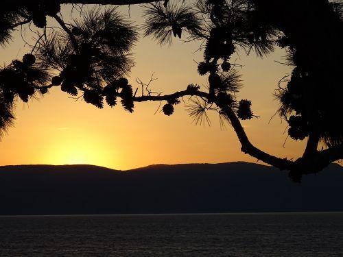 sunrise on the sea morgenstimmung atmospheric
