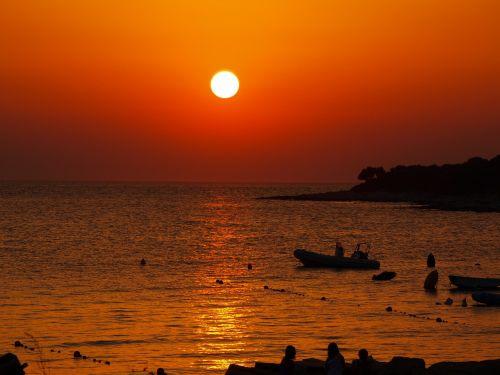 sunset romantic booked