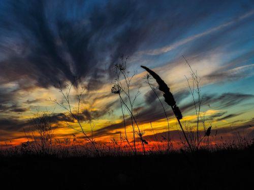 saulėlydis,saulė,nustatyti,raudona,gamta,vasara,saulėtekis,šviesa,saulės šviesa,dangus,geltona,saulėtas,kelionė,oranžinė,kraštovaizdis,saulės energija,saulės spindulys,šiltas,karštas,šiluma,saulės šviesa