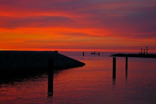 sunset mole marina