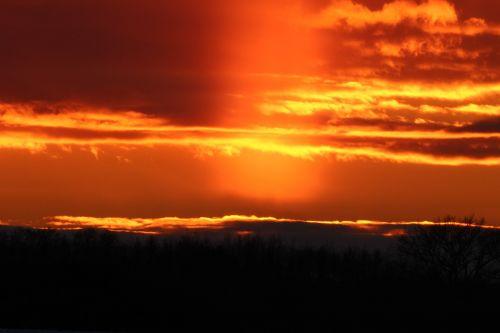 sunset weather phenomenon sunpillar