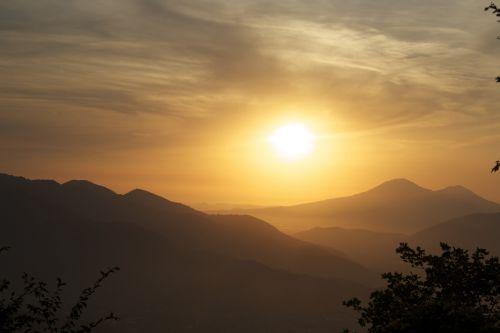 sunset mountain salerno