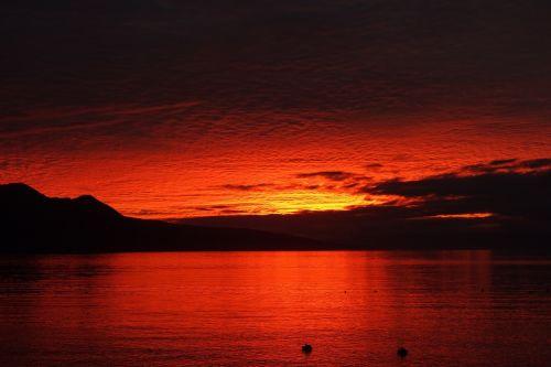 sunset lake vevey