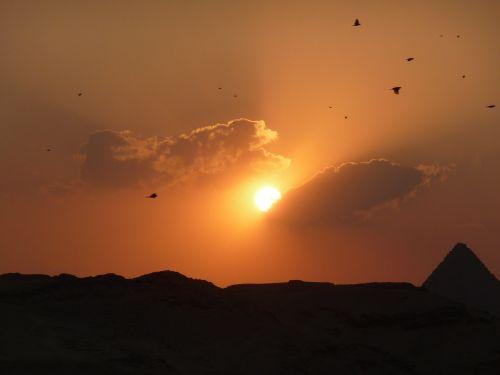 sunset pyramid egypt
