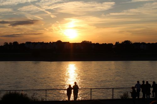 sunset rhine düsseldorf