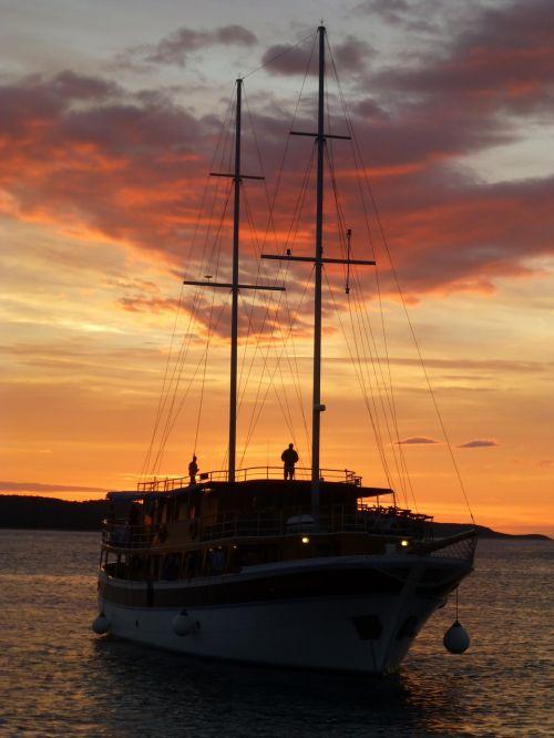 sunset sea romantic