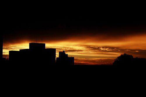 sunset horizon sol