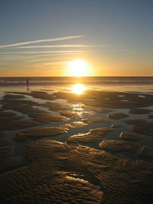 sunset back light sea