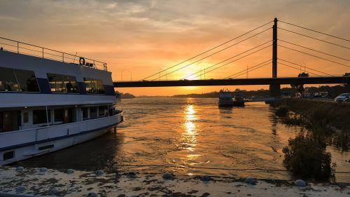 sunset solar marine