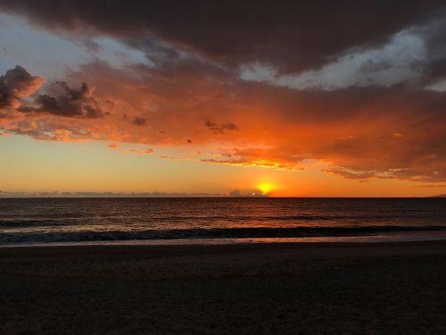 saulėlydis,saulė,jūra,cabo de gata,Almerija,debesys,raudona