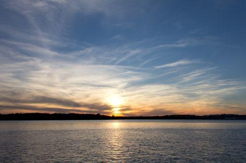 sunset potomac river alexandria