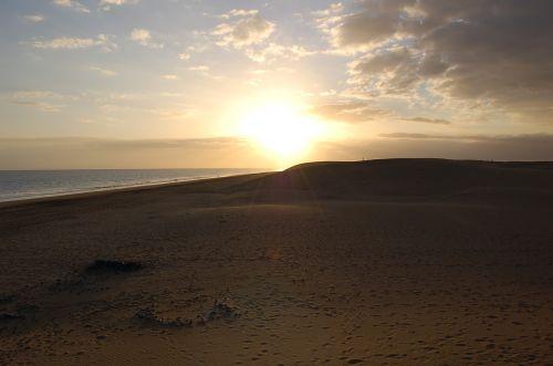saulėlydis,papludimys,smėlis,jūra,saulė,kraštovaizdis,dusk,gamtos kraštovaizdis