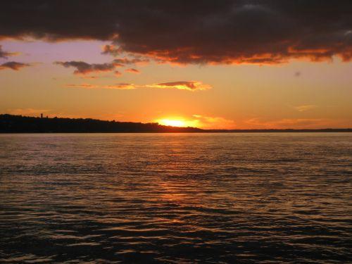 saulėlydis,vanduo,jūra,vandenynas,upė,saulėtekis,dangus,horizontas,rytas,vakaras,jūros dugnas,aušra,dusk,oranžinė,debesys,vaizdingas,pakrantė,ramus,idiliškas