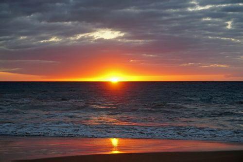 sunset maui red