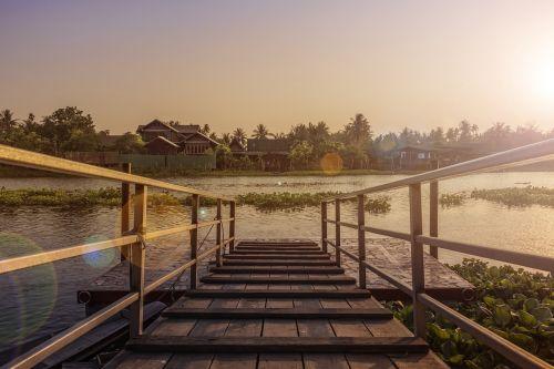 saulėlydis,saulės šviesa,kraštovaizdis,lauke,vasara,kelionė,natūralus,atostogos,upė,namas,kelionė,kelionė