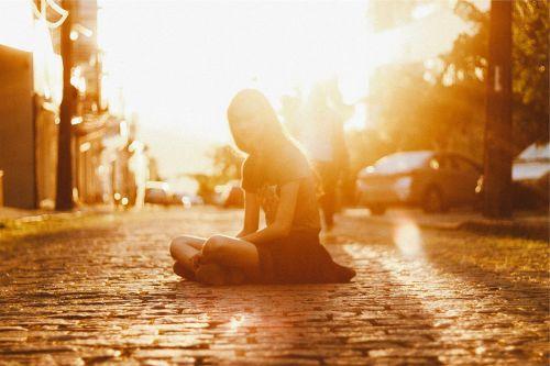 sunset sun rays girl