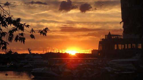 sunset rechnoy vokzal yachts