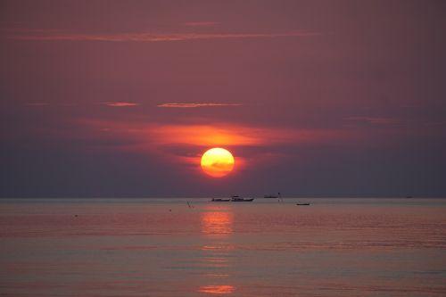 sunset karimunjawa indonesian