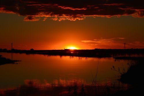 sunset setting sun sun