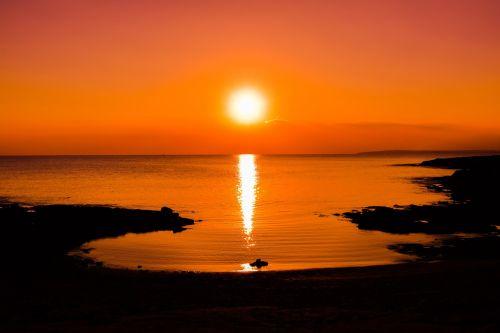 saulėlydis,saulė,dusk,jūra,papludimys,Cove,dangus,gamta,kraštovaizdis,saulės šviesa,horizontas,oranžinė,ayia napa,Kipras