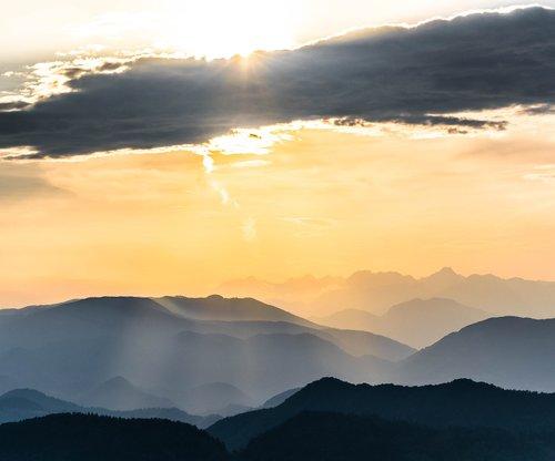sunset  mountains  sunrays