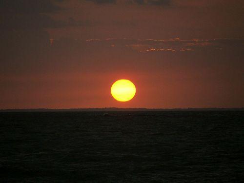 sunset mosqueiro rio beach