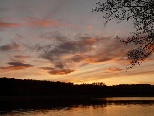 sunset lake idyll