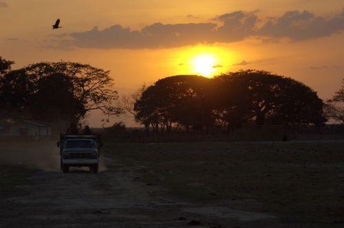 sunset track venezuela