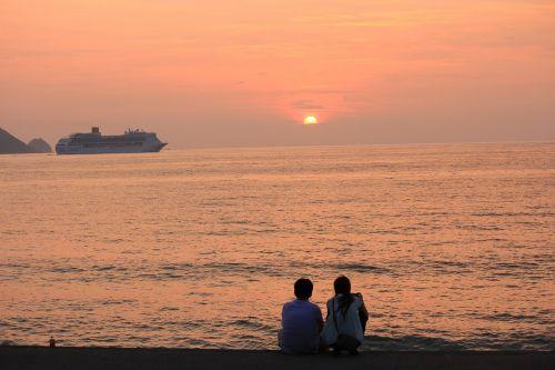 sunset ship lover
