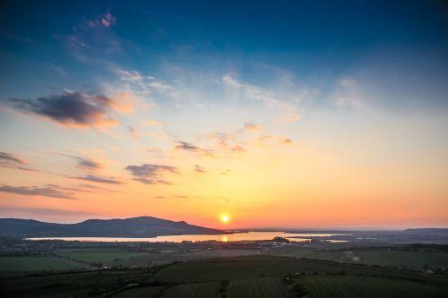 sunset horizon vantage point