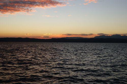 sunset lake sirmione