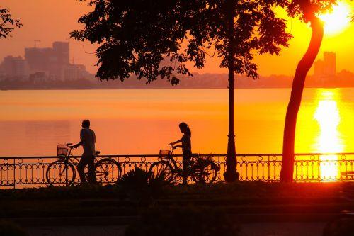 sunset west lake hanoi