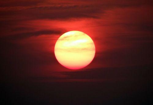 sunsets glowing sun