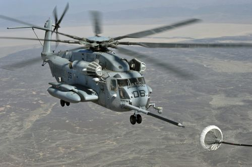 super stallion helicopter refueling in flight military