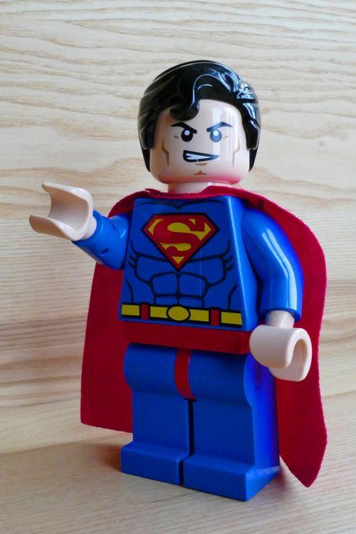 supermenas,žaislas,lego,herojus,super,linksma,mielas,kostiumas,džiaugsmas,veiksmas,galia,spalva,Super herojus,mėlynas,raudona,drąsus,jėga,viršūnė,stiprus,galingas,vyras,Patinas,sėkmė,drąsos,pasitikėjimas,Super herojus,asmuo,gelbėjimas,herojiškas,komiksas,charakteris,greitai