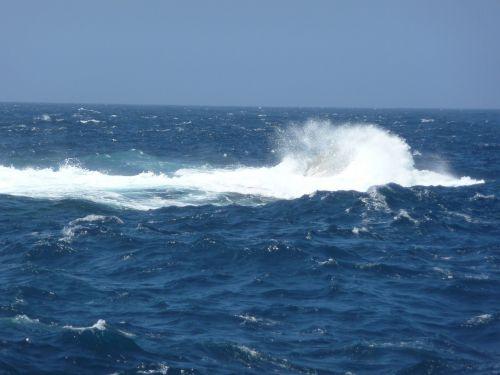 surf sea mediterranean