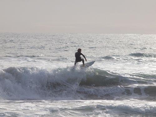 surfing perth trigg beach 2