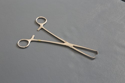 surgery  instruments  clamp