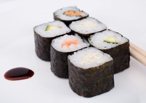 sushi raw fish delicious