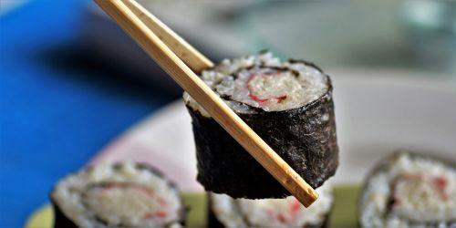 sushi food roll